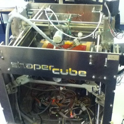 """Shaper cube 3D printer • <a style=""""font-size:0.8em;"""" href=""""http://www.flickr.com/photos/94299919@N02/11400807256/"""" target=""""_blank"""">View on Flickr</a>"""